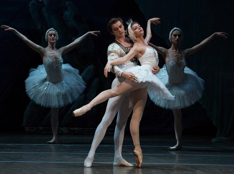 Гала-концерт IX Международного фестиваля балета «В почтение Екатерины Максимовой» 04.06.2017 г. Фото: Андрон Голубев